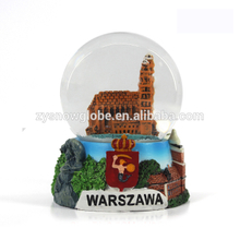 2018 resin material poland capital snow globe