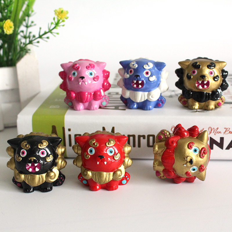Custom resin mascot figurines manufacturer resin animal figurines