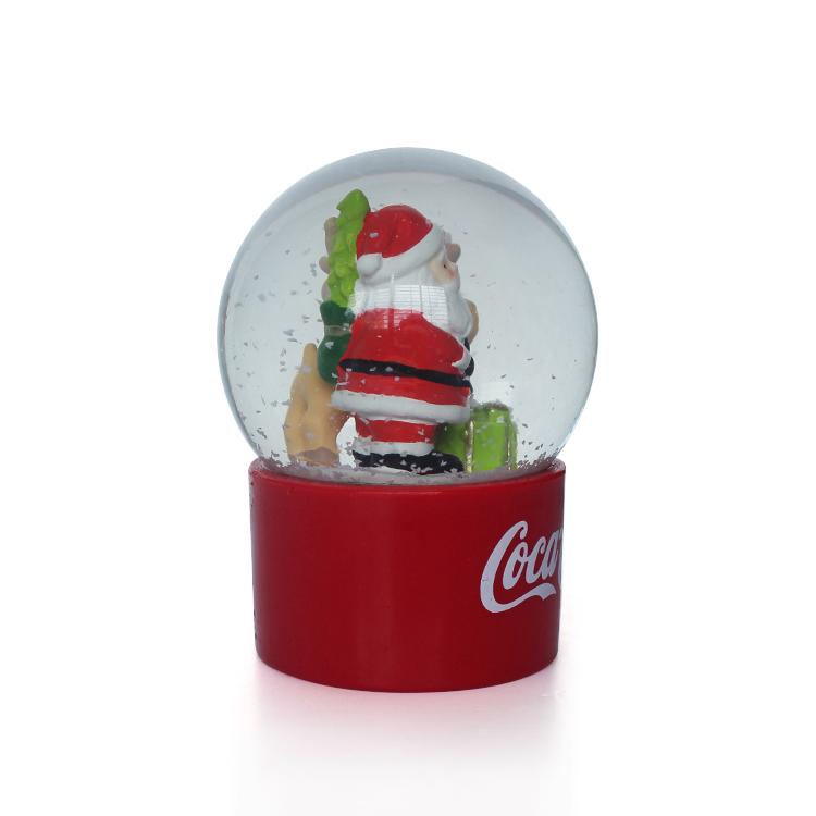 Hot sale snow globe for Christmas Holiday christmas snowglobe resin snow globe mecca