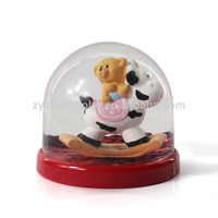 New customized resin acrylic snow globe
