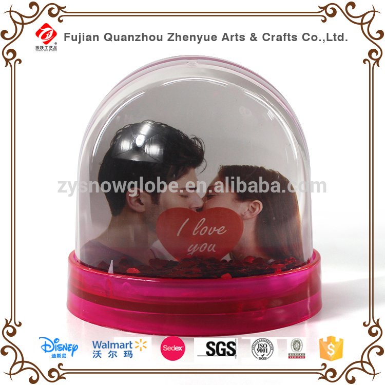 Factory direct plastic picture insert snow globe