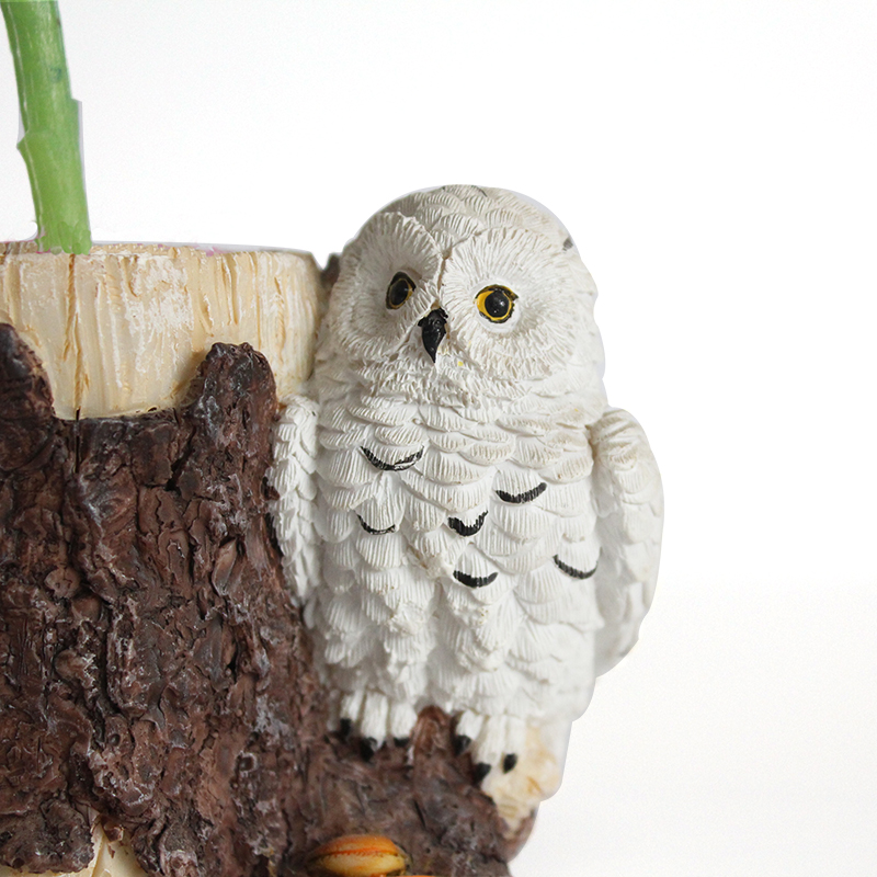 Resin custom personalized desktop decoration stump shaped flower pots with owl