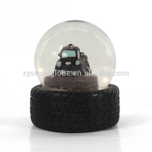 Promotional Gifts Resin Snow Globes Wholesale