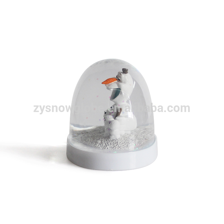 Pure white promotional plastic christmas snow globe